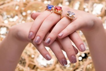 Is it advisable to use diamond rings for daily use?